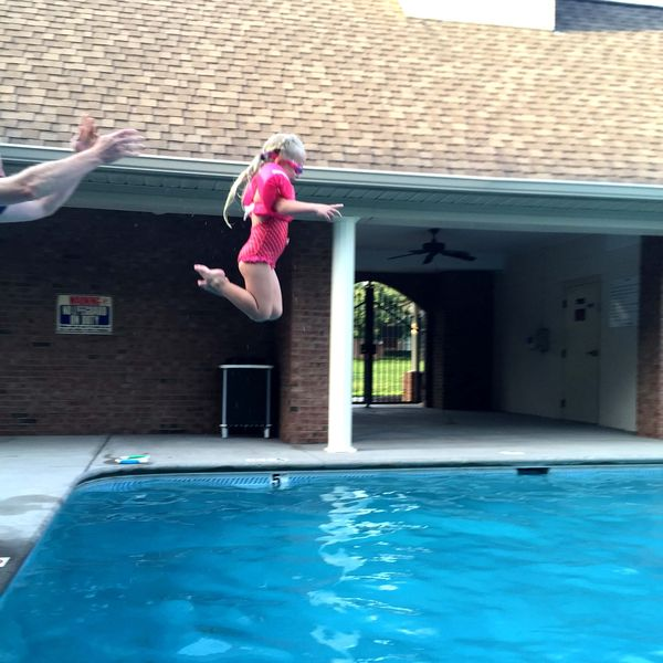 Avery in air
